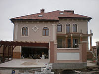 Монтаж фасадного декора дома на ул.Коралловая.jpg