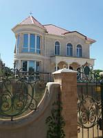 Монтаж фасадного декора дома на ул.Костанди.jpg