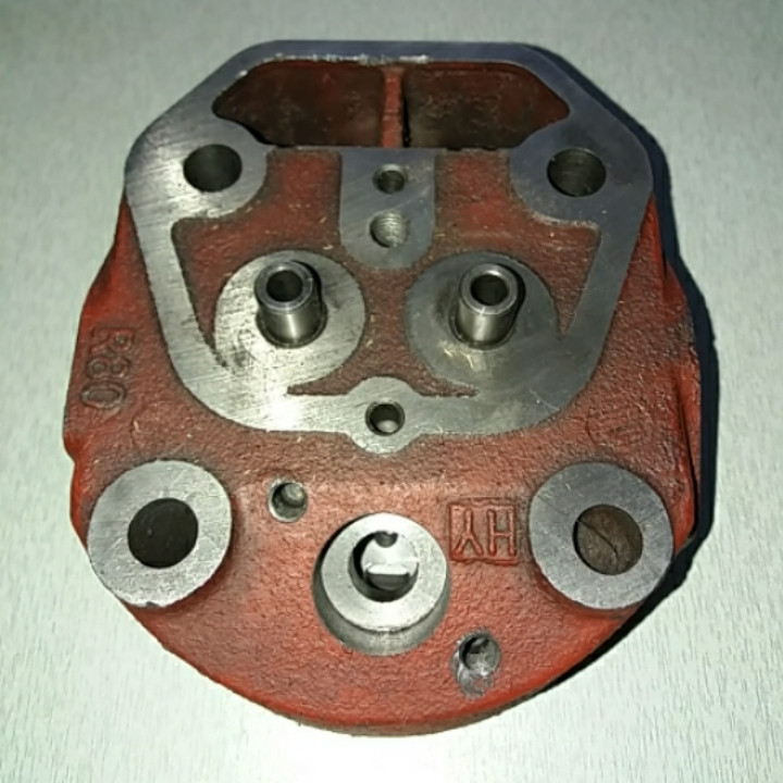 Головка цилиндра голая R180