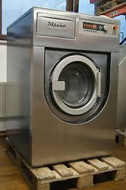 Професійна пральна машина Miele PW 6137