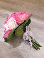 Букет из цветов свадебный 20см