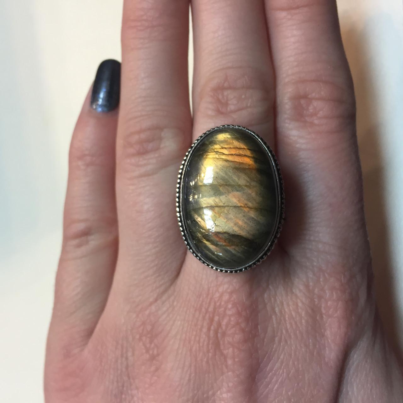 Красивое кольцо лабрадор в серебре. Кольцо овал с лабрадором 19 размер Индия!