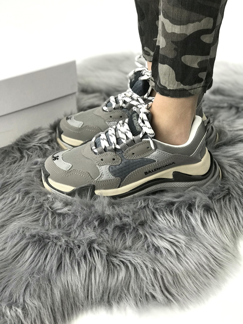 Кроссовки женские Balenciaga.Стильные женские кроссовки.