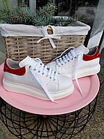 815fee120a5dc2 Белые Кожаные Кеды Alexander McQueen на Платформе с Красной Пяткой ...