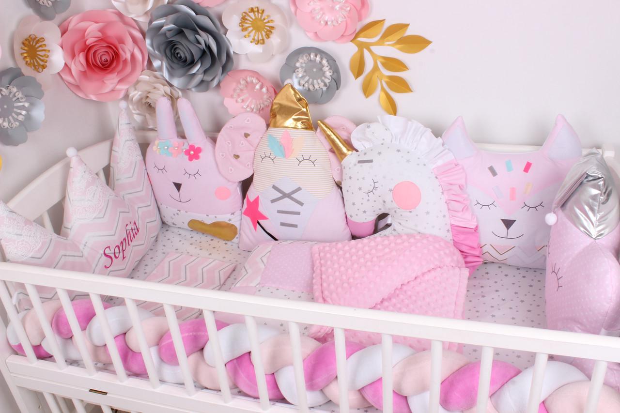 Комплект в кроватку с игрушками Нежно розовых тонах