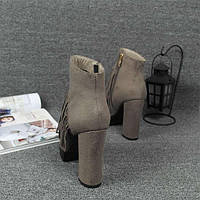 Серые ботинки с бахрамой на высоком каблуке, фото 1