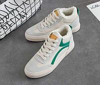 Низкие белые кроссовки с мехом и зеленой полоской, фото 1
