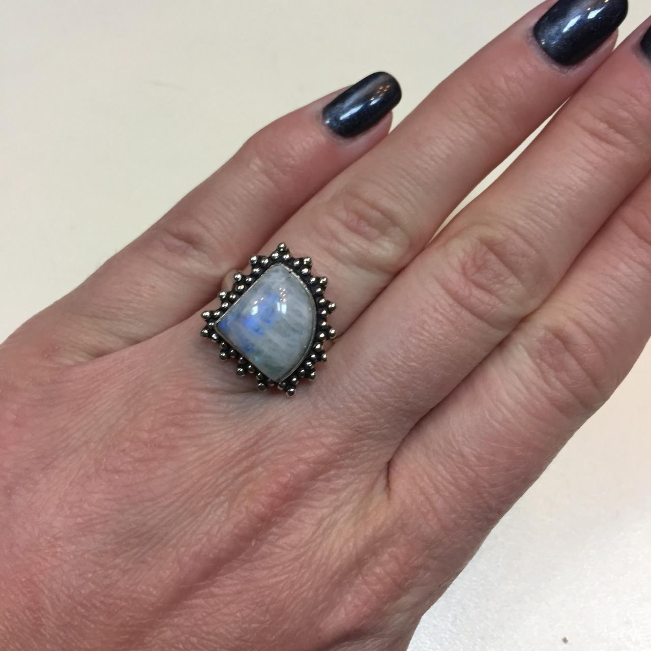 Кольцо натуральный лунный камень в серебре. Кольцо с лунным камнем 16-16,5 размер Индия