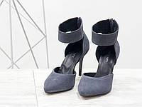 e95fcd4f7 Серые замшевые туфли на шпильке с ремешком на щиколотке сзади молния Италия