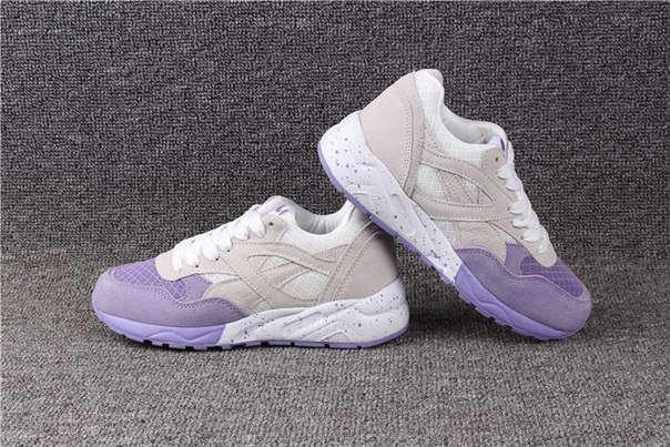 Женские кроссовки с фиолетовым носком