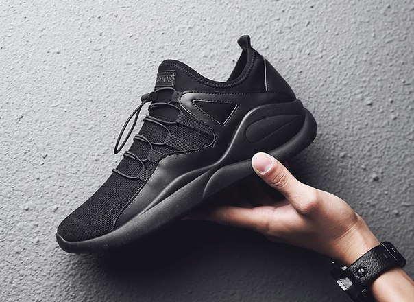Черные кроссовки для спорта мужские