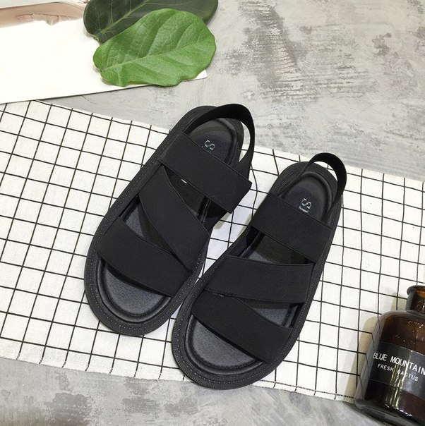 Черные ретро сандали на тонкой подошве