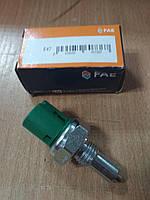 """Включатель (датчик) заднего хода на Renault Trafic 2001-> 1.9dCi; (зелёный) """"FAE"""" 40600 - производства Испании, фото 1"""