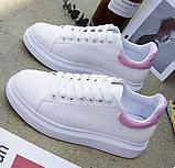 Дешевые женские кроссовки с розовым задником и надписью, фото 2