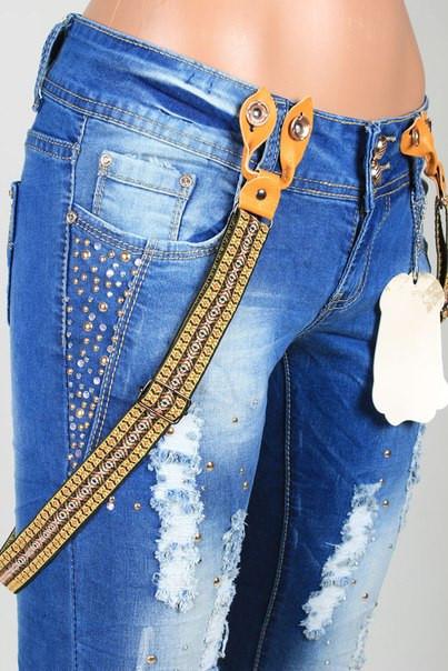 aa67ae85365 Женские джинсы с рванкой и подтяжками  продажа