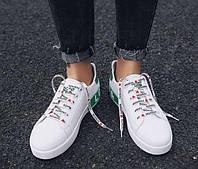 Белые кроссовки на шнуровке с зеленым задником, фото 1