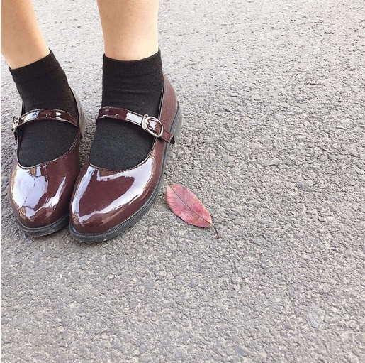 Туфли бордовые на низком ходу с ремешком