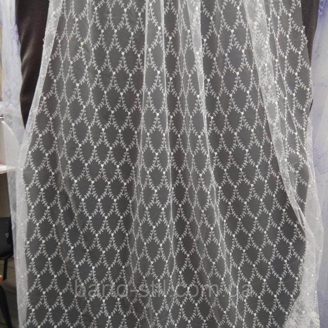 Тюль с небольшой вышивкой на фатине молочного цвета ( белого цвета)Оптом и на метраж Высота 2.8 м