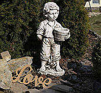 Садовая фигура скульптура для сада Мальчик с цветочным горшком 30.5×24.5×65.5cm SS12141-58 статуя