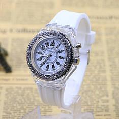 """Жіночі наручні годинники """"Geneva"""" з підсвічуванням (білий)"""