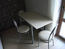 Стулья и стол-трансформер для обеденной зоны в столовую или в кухню