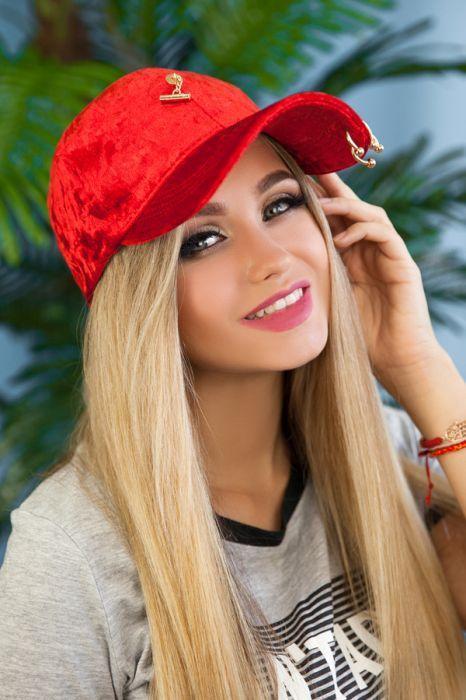 Велюровая женская кепка  «Блэз»,красная