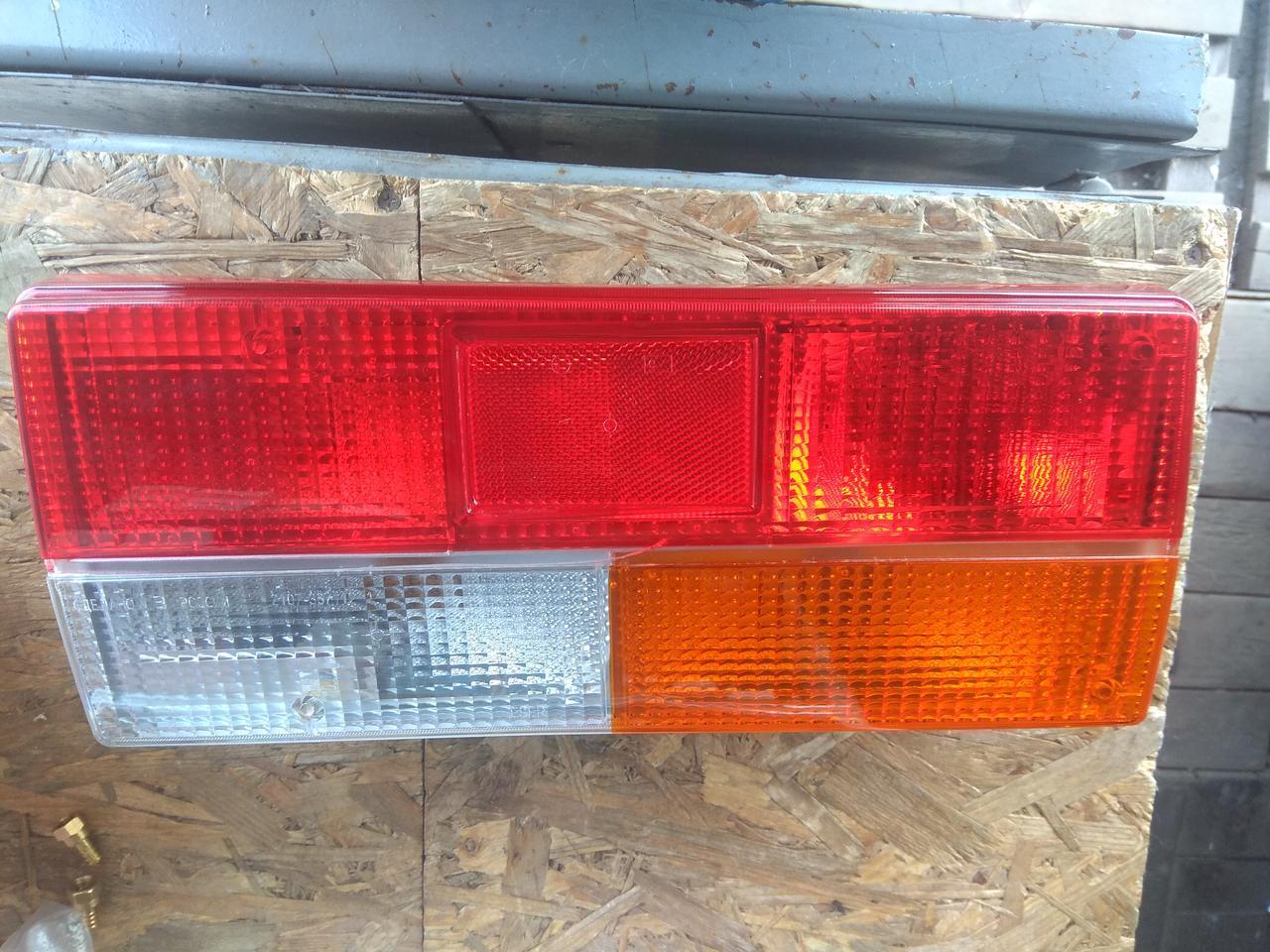 Ліхтар ВАЗ 2107 задній лівий в зборі з платою і лампочками ESER