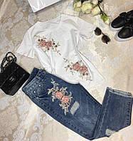 Костюм джинсы + футболка с цветочным принтом