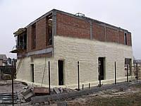 Заливка пустотелых стен пенополиуретаном