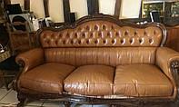 Комплект мягкой кожаной мебели. Бароко диван двойка и два кресла.
