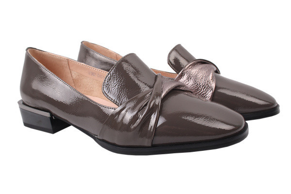 Туфли женские на низком ходу Molka лаковая натуральная кожа, цвет серый