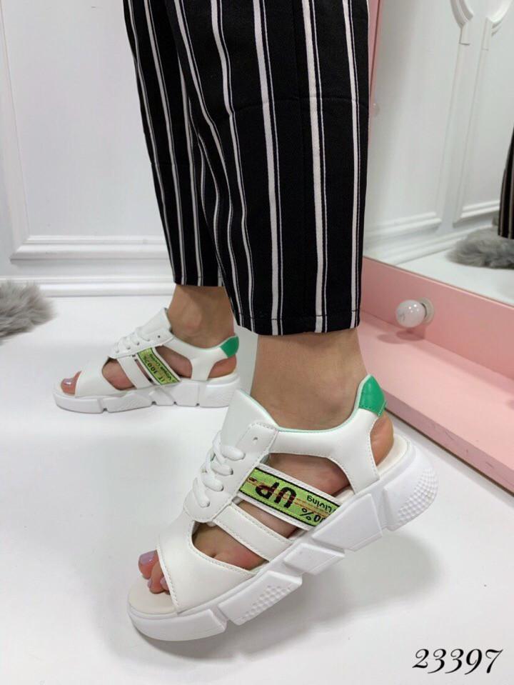 Босоножки Balenciaga со шнуровкой белые. Аналог