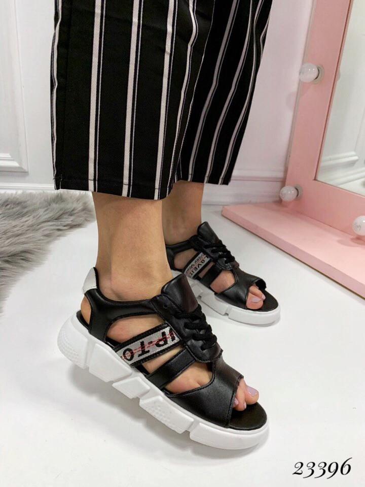 Босоножки Balenciaga со шнуровкой черные. Аналог