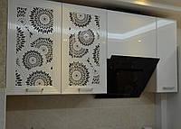 Кухня с глянцевыми и сквозными фасадами МДФ, фото 1