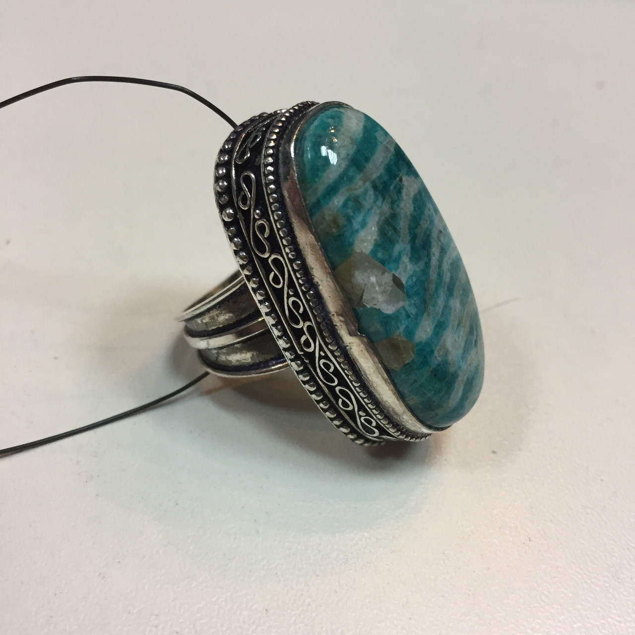 Амазонит овальное кольцо с амазонитом в серебре. Природный амазонит 17,5 размер Индия