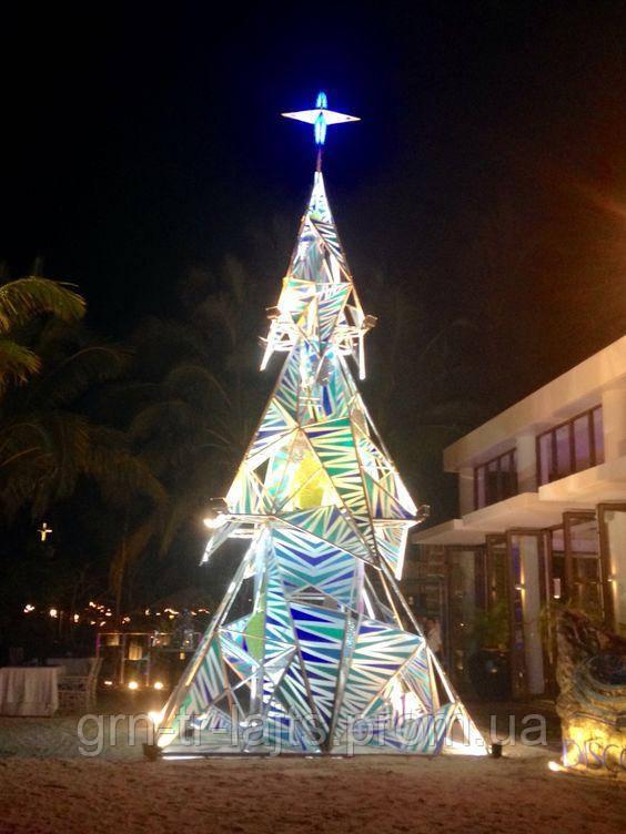 Необычная новогодняя елка на Филиппинах