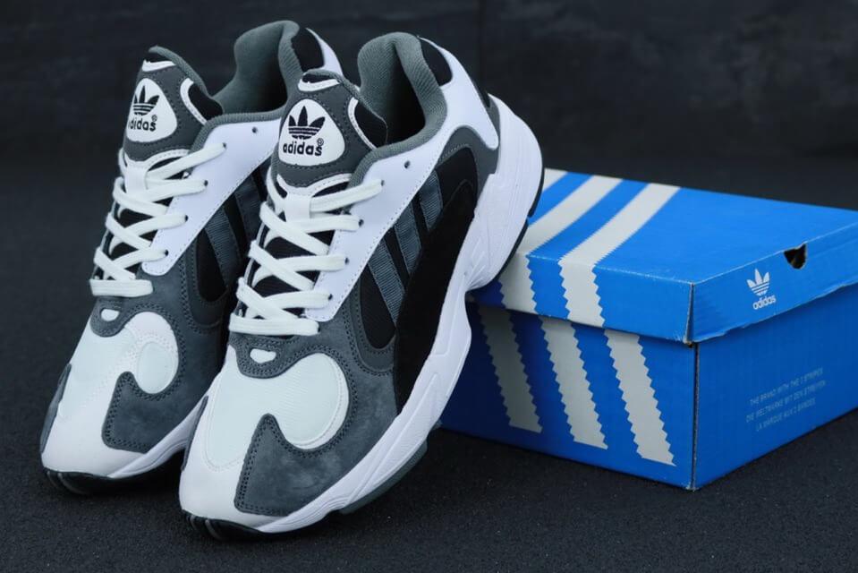 Мужские кроссовки Adidas Yung 1 серого цвета