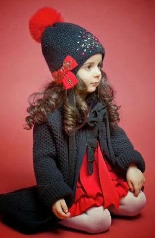 Зимние шапки и комплекты для девочек