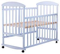Детская кроватка из ольхи голубая  боковина  ОПУСКАЕТСЯ