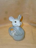 Декоративная фарфоровая статуэтка - Мышка 9,5 сантиметров высота
