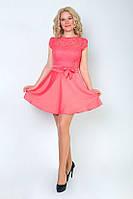 Женское платье из шелка с гипюром