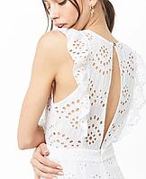 Летний белый женский комбинезон нарядный с рюшами и вышивкой Forever21