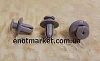 Крепление распорного действия универсальное Hyundai, Mazda, Ford, Kia. ОЕМ: 85325210005, 0G03250037A, MB455561