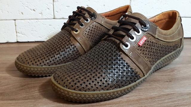 7c3c5441a Летние кроссовки Levis - универсальная мужская обувь, которая подходит как  для повседневного использования, так и для активного отдыха и занятий  спортом.
