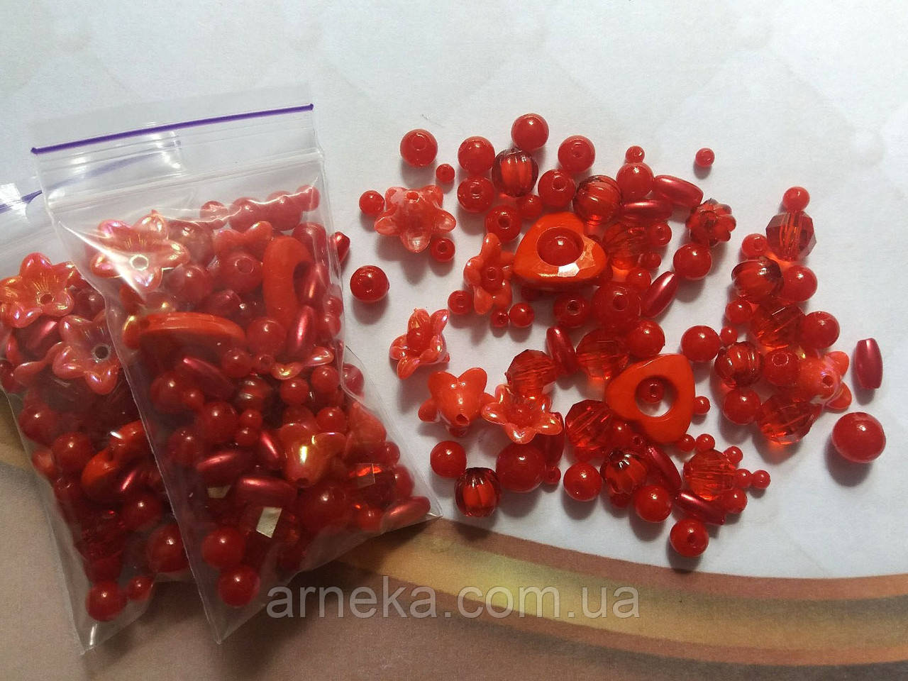 Микс бусин красных (набор 10 грамм)
