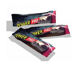 Батончик Power pro Femine Bar з фундуком та арахісом 60 g полуниця