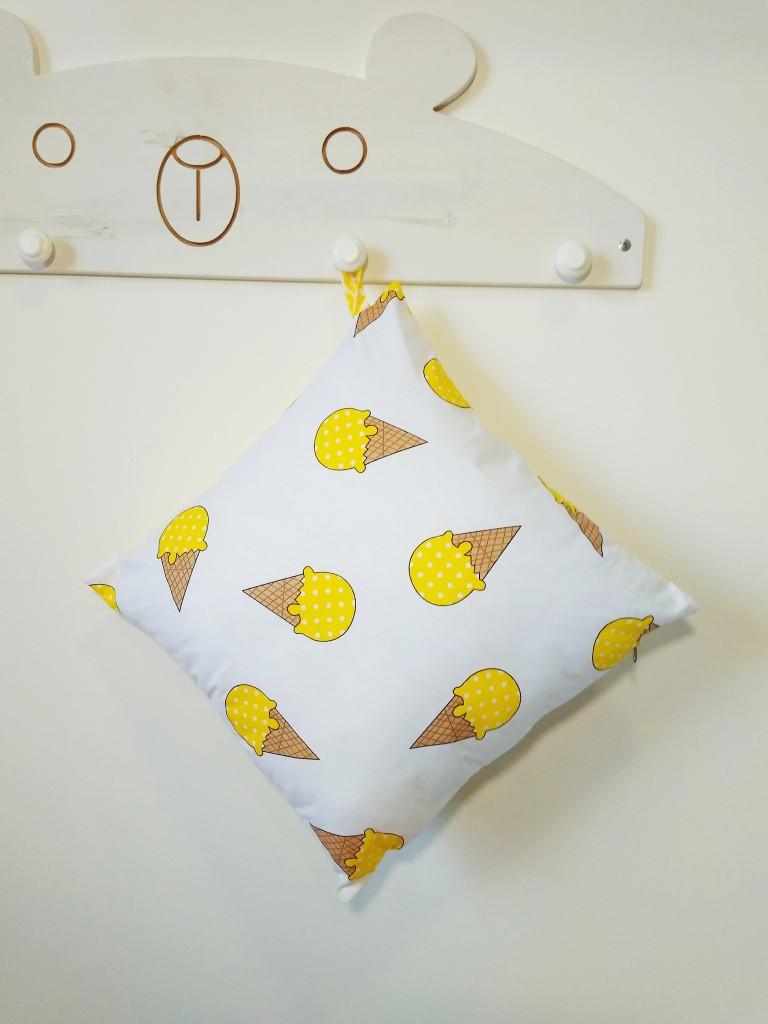 Декоративная подушка двухсторонняя Strekoza Мороженое 38 х 38 см белый желтый