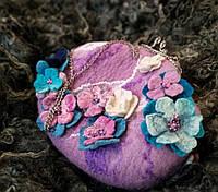 """Валяная сумочка на фермуаре из шерсти""""Яркие цветы"""""""