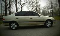 Ветровики, дефлекторы окон Toyota Avensis 1997-2003 (Hic)