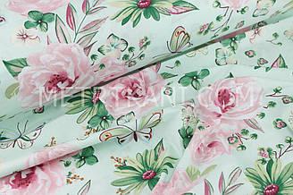 """Ткань хлопковая  """" Большие цветы с бабочками """"  мятном   фоне  №1472"""